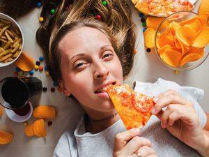 Mơ thấy ăn uống là điềm báo gì – Đánh con số nào chuẩn xác?