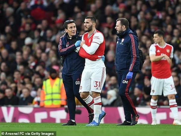 Arsenal xác nhận chấn thương của hậu vệ Sead Kolasinac