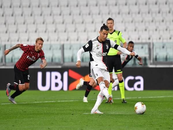 Napoli vs Juventus: Chung kết Coppa Italia