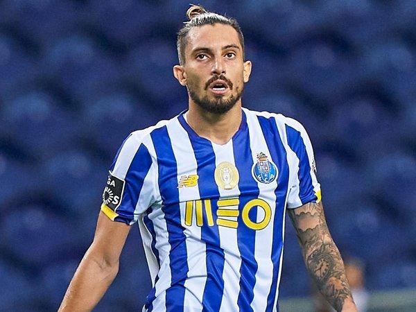 Chuyển nhượng bóng đá quốc tế 24/9: Alex Telles chuẩn bị gia nhập United