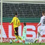 Bóng đá Quốc Tế 3/3: Dortmund vượt qua M'gladbach
