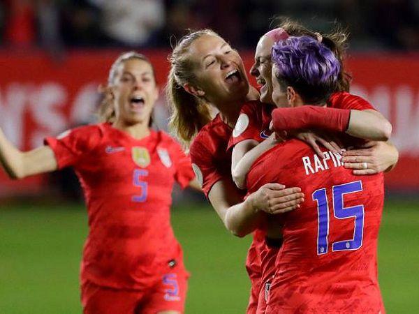Bóng đá quốc tế 4/8: Nữ Canada và Thụy Điển muốn đổi giờ đá chung kết