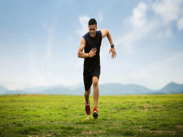 Cách hít thở khi chạy bộ và đi bộ tập thể dục đúng cách
